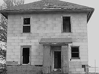 Abandoned Houses 027
